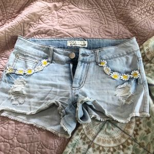 Cute Jean Shorts with Floral Detail, Size 25